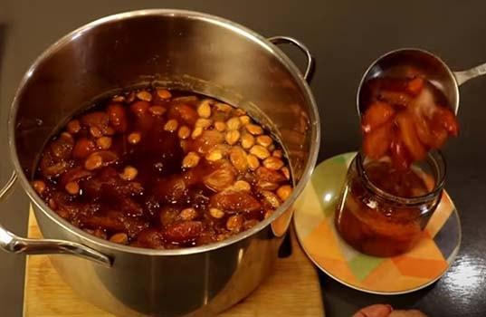 варенье-из-абрикосов-с-ядрышками-9