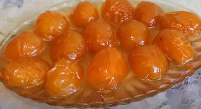 варенье-из-целых-абрикосов-12