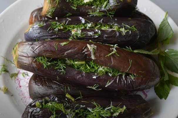 фаршированные-баклажаны-с-зеленью-и-чесноком-8