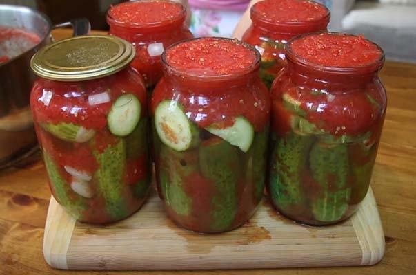 огурцы-в-томатной-заливке-на-зиму-9