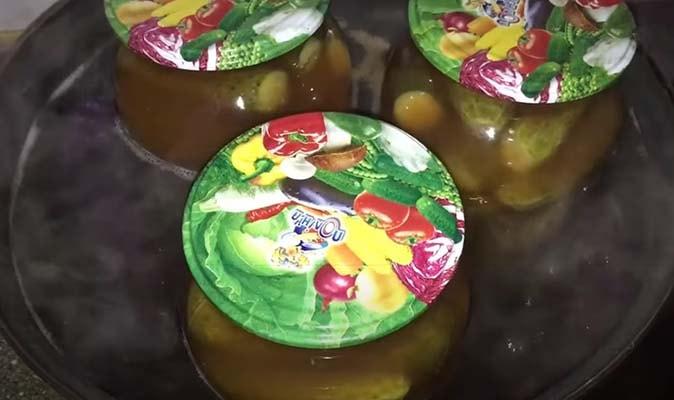 огурцы-в-томатном-соусе-4