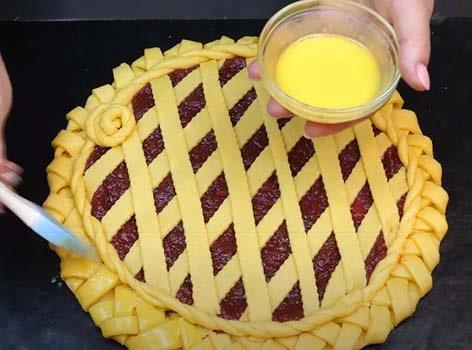 пирог-с-яблочным-повидлом-вареньем-9