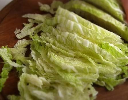 салат-цезарь-с-пекинской-капустой-4