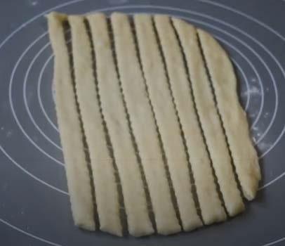 яблочный-пирог-из-дрожжевого-теста-11