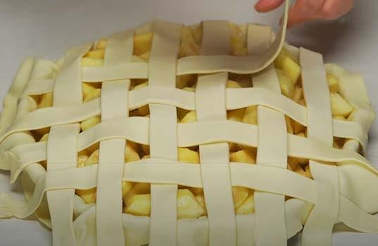 яблочный-пирог-из-слоеного-теста-20