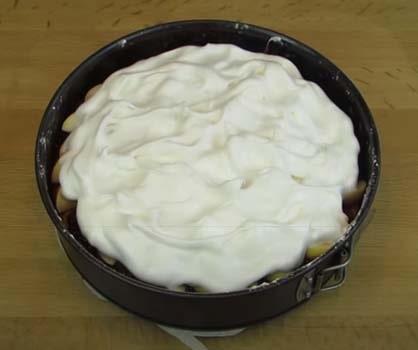 яблочный-пирог-со-взбитыми-белками-10