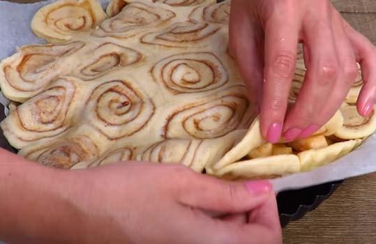 закрытый-пирог-с-яблоками-и-творогом-18