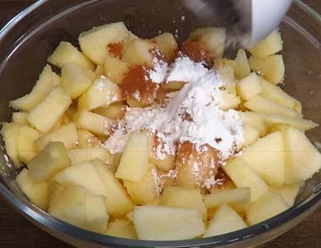 закрытый-пирог-с-яблоками-и-творогом-6