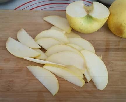 заливной-яблочный-пирог-5