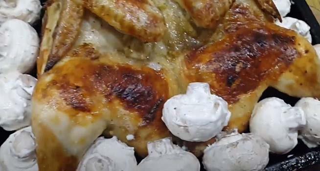 курица-с-шампиньонами-в-духовке-5
