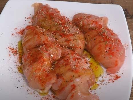 курица-в-духовке-с-сыром-и-помидорами-2