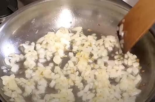 простой-и-вкусный-салат-печонкин-с-куриной-печенью-1