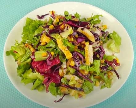 салат-из-курицы-и-кукурузы-с-пекинской-капусты-9