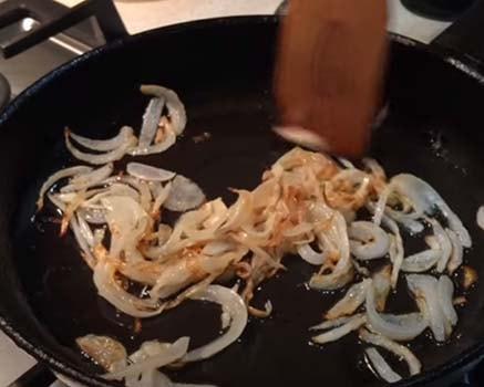 салат-из-куриной-печени-с-помидорами-1