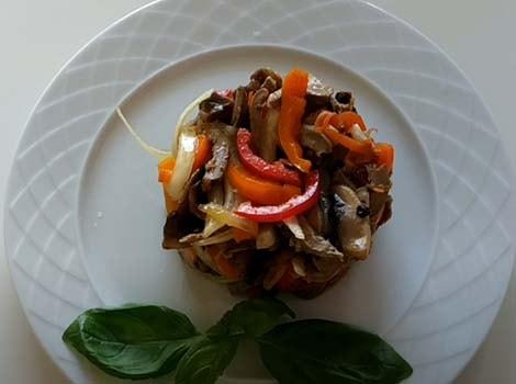 салат-из-куриных-сердец-и-грибов-9