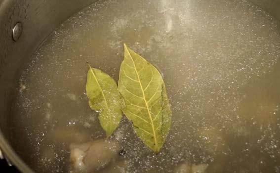 салат-из-куриных-сердец-с-зеленым-горошком-1