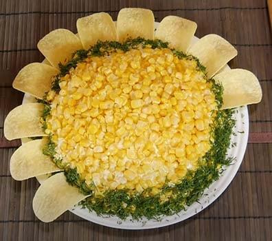 салат-подсолнух-с-курицей-и-картошкой-11