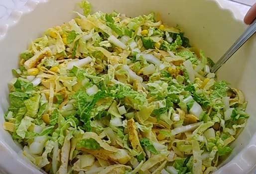 салат-с-куриной-грудкой-и-кукурузой-14