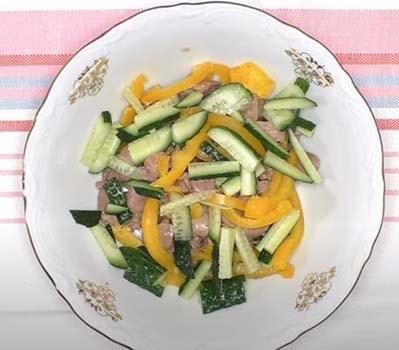 салат-с-куриной-печенью-и-фасолью-1
