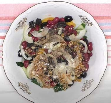 салат-с-куриной-печенью-и-фасолью-3
