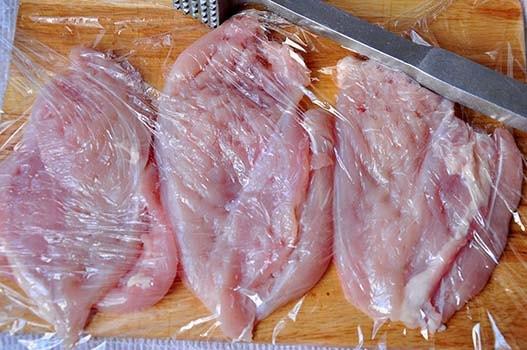 запеченная-курица-с-ананасами-сыром-в-духовке-1