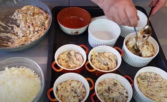 жульен-из-курицы-и-грибов-в-духовке-12