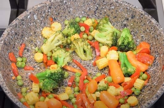 гречка-с-курицей-и-овощами-3
