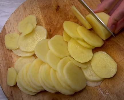 картофельная-запеканка-с-курицей-в-духовке-2