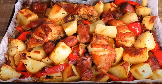 курица-кусочками-с-картошкой-в-духовке-5