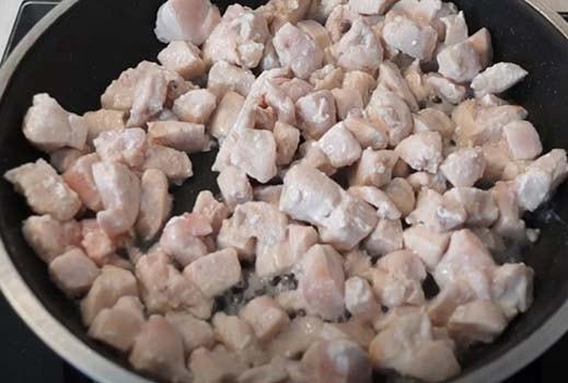 курица-с-картошкой-и-грибами-в-духовке-5