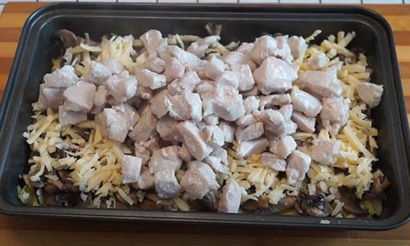 курица-с-картошкой-и-грибами-в-духовке-7