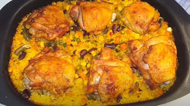 курица-с-рисом-и-овощами-в-духовке-10