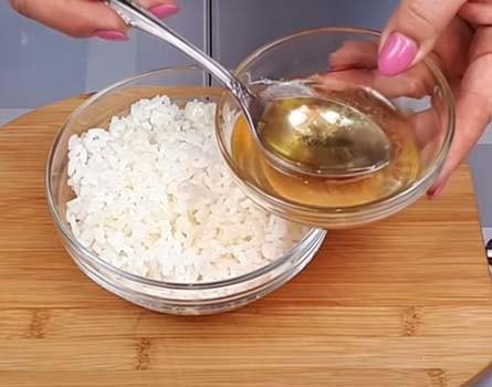 салат-из-печени-трески-с-рисом-и-кукурузой-5