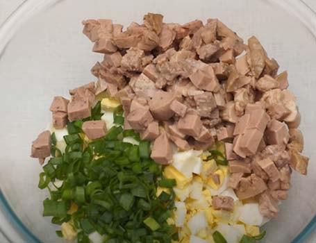 салат-из-тресковой-печени-с-яйцом-в-корзиночках-3