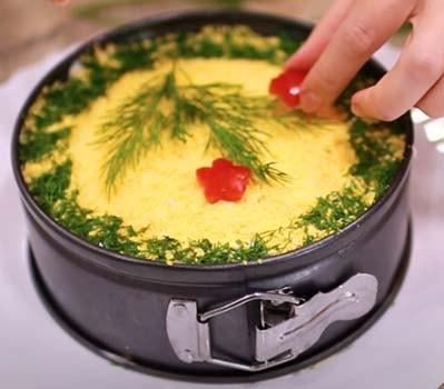 салат-с-тресковой-печенью-и-рисом-11
