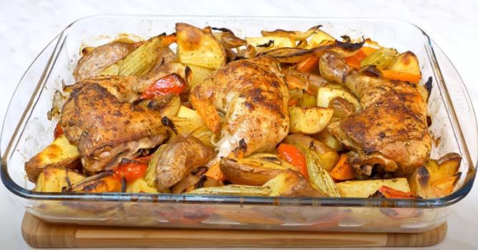 запеченная-курица-с-овощами-в-духовке-10