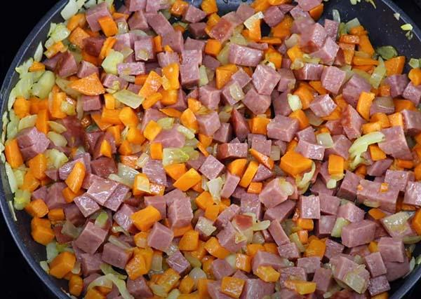 гороховый-суп-с-копченой-колбасой-3