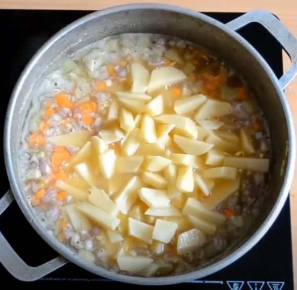 гороховый-суп-с-копченой-курицей-3
