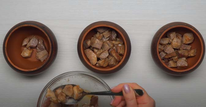 горшочки-в-духовке-с-мясом-и-картошкой-4