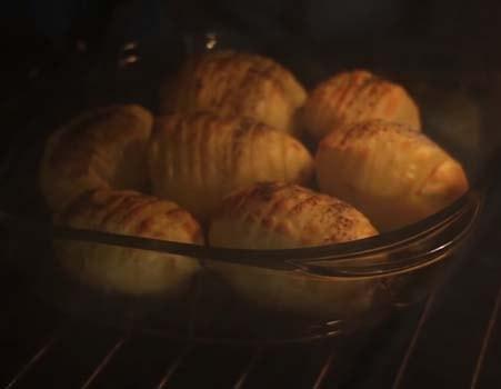картошка-гармошка-с-беконом-и-сыром-3