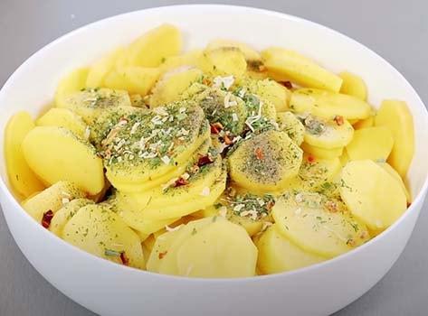 картошка-со-сметаной-в-духовке-1