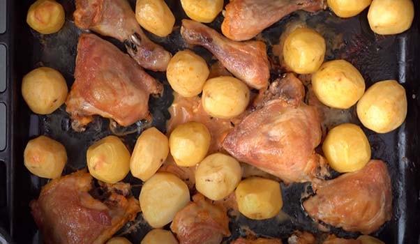 окорочка-с-картошкой-в-духовке-4