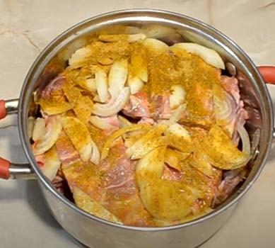 ребра-свиные-в-духовке-с-картошкой-2