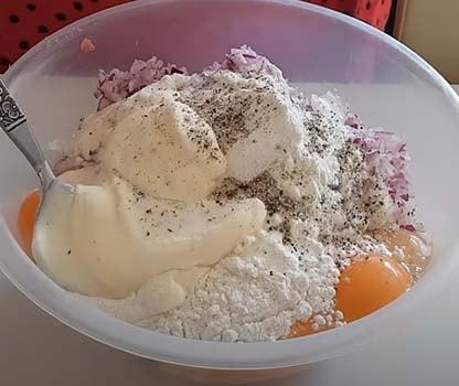 рубленые-котлеты-из-куриного-филе-на-сковороде-2