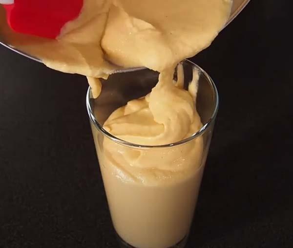 сосиски-с-сыром-в-жидком-тесте-на-палочке-5