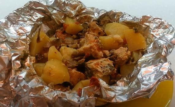 свинина-в-фольге-в-духовке-с-картошкой-7