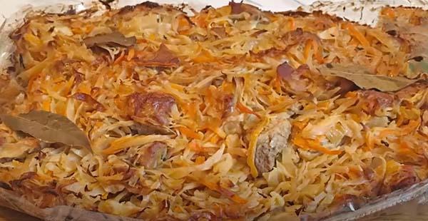 тушеная-капуста-с-мясом-в-духовке-8