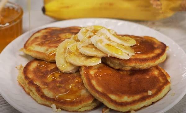 банановые-оладьи-на-кефире-8
